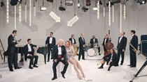 Pink Martini: Lounge break
