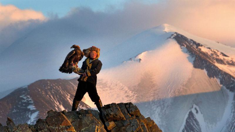 Στα μαγευτικά βουνά της Μογγολίας με την «Κυνηγό με τον Αετό» και το αθηνόραμα Club!