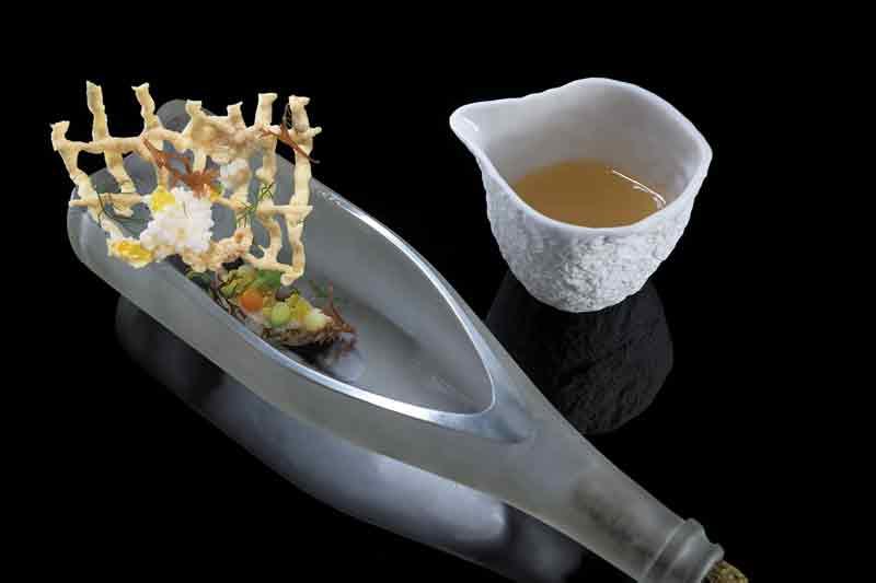 Σύγχρονη αιγαιοπελαγίτικη κουζίνα σε 5 ξεχωριστά dîners de gala στη Ρόδο - Χρυσοί Σκούφοι
